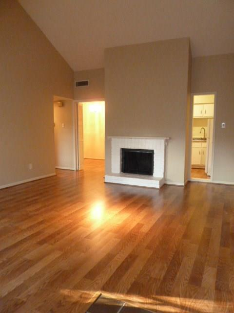 2100 Tanglewilde Street #524, Houston, TX 77063 (MLS #47076547) :: REMAX Space Center - The Bly Team