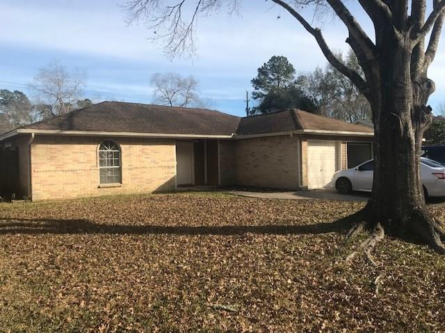 17122 Golf Club Drive, Crosby, TX 77532 (MLS #47213847) :: Magnolia Realty
