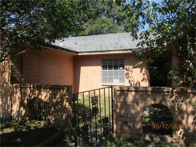 13807 Lantern Lane, Houston, TX 77015 (MLS #47748230) :: Carrington Real Estate Services