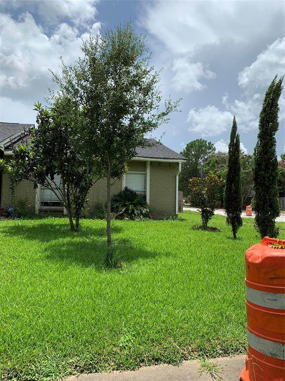 4931 Porter Ridge Drive, Houston, TX 77053 (MLS #48083651) :: The SOLD by George Team