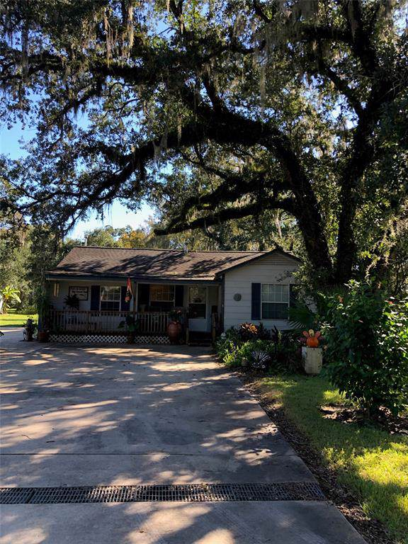 998 Bastrop Road, Angleton, TX 77515 (MLS #4812618) :: Texas Home Shop Realty