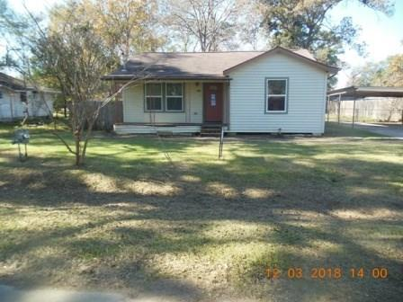 704 Maple Ave Avenue, Cleveland, TX 77327 (MLS #48136622) :: Texas Home Shop Realty