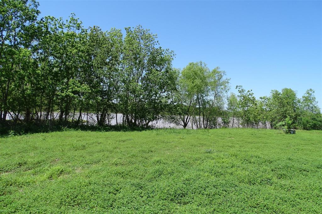 334 Lakeview Drive - Photo 1