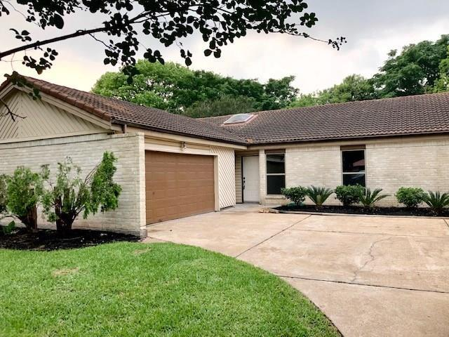 6210 Ogden Forest Drive, Houston, TX 77088 (MLS #48445813) :: Texas Home Shop Realty