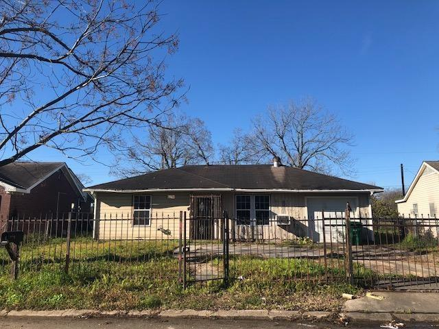 10731 Royal Pine Drive, Houston, TX 77093 (MLS #48896592) :: Texas Home Shop Realty