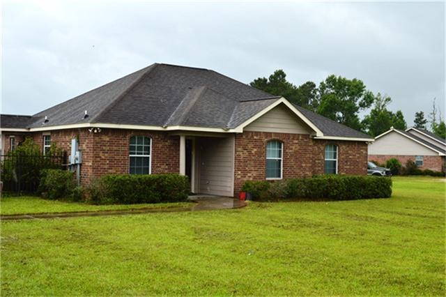 1605 County Road 2285, Cleveland, TX 77327 (MLS #48902275) :: NewHomePrograms.com LLC