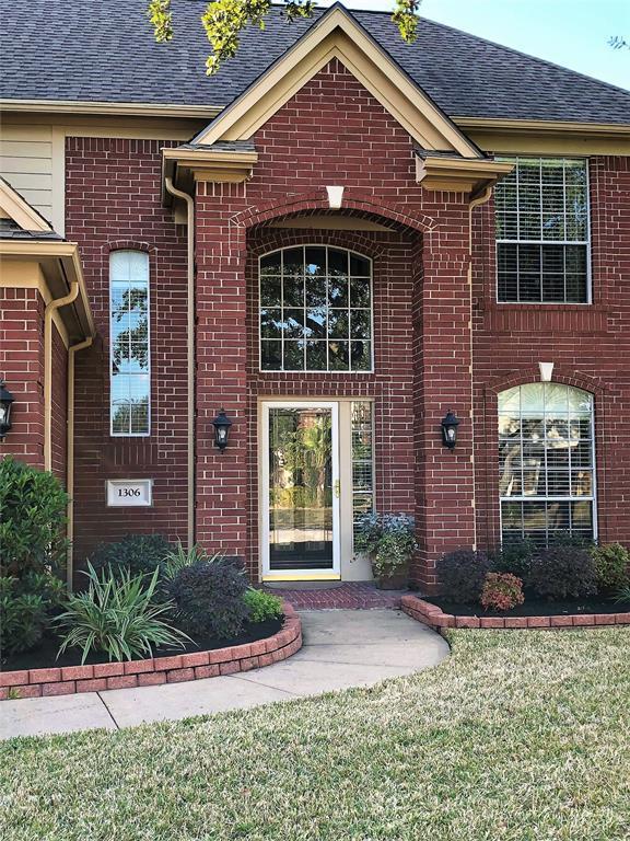 1306 Wynfield Drive, Deer Park, TX 77536 (MLS #49299244) :: Texas Home Shop Realty