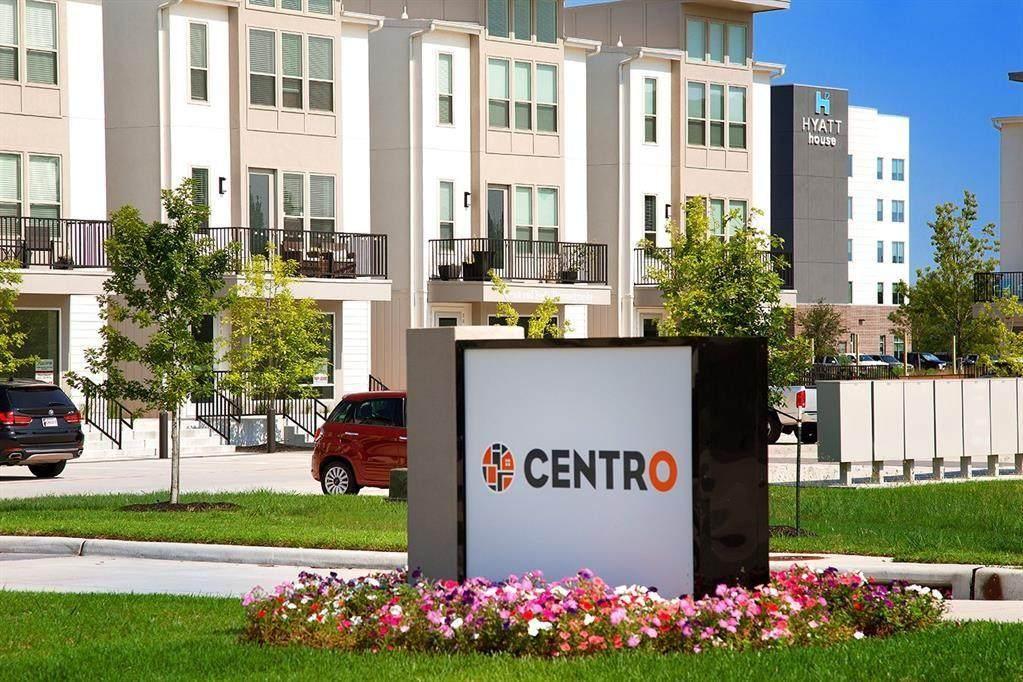 18531 Centro Row - Photo 1