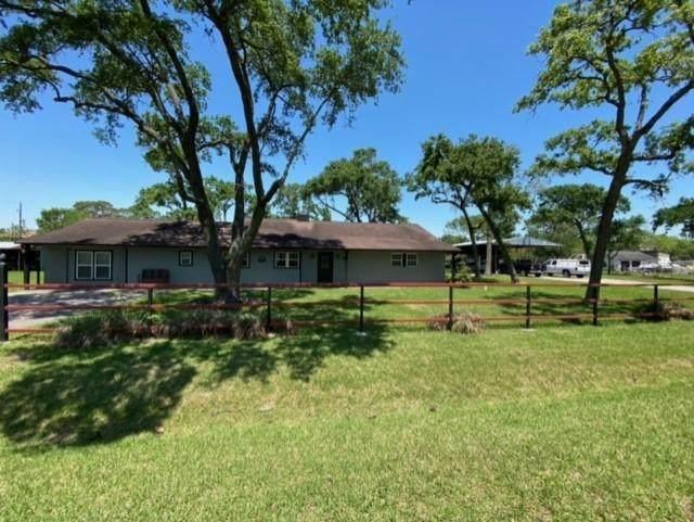 510 N Shady Lane, La Porte, TX 77571 (MLS #49837855) :: The SOLD by George Team
