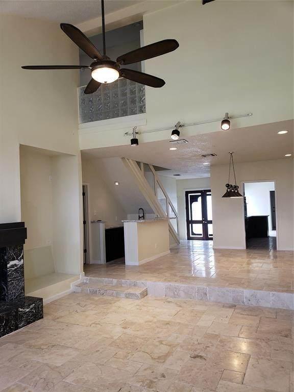 7655 S Braeswood Boulevard #9, Houston, TX 77071 (MLS #50463049) :: Caskey Realty
