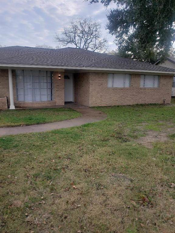 1120 East 1st Street, Hempstead, TX 77445 (MLS #50677656) :: The SOLD by George Team