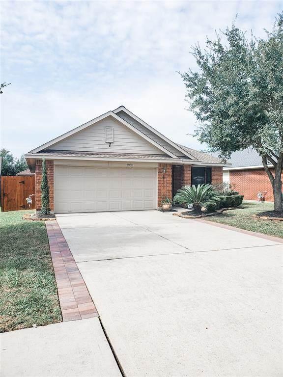 19011 Bressingham Drive, Tomball, TX 77375 (MLS #51096902) :: Michele Harmon Team