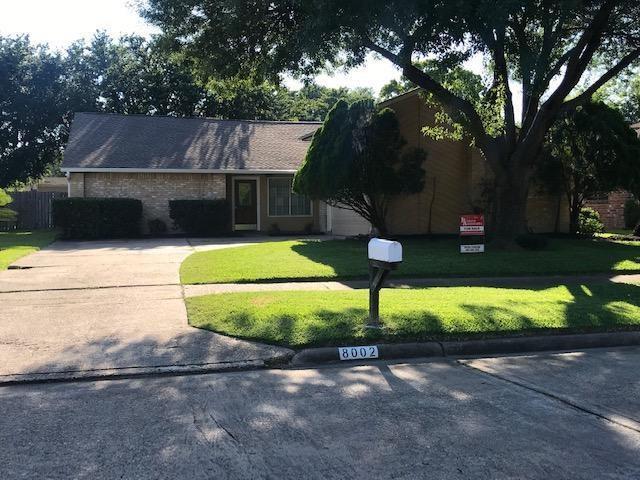 8002 Marisol Dr, Houston, TX 77083 (MLS #51248079) :: Ellison Real Estate Team