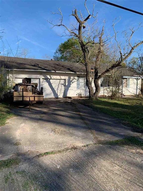 915 Elkport Street, West Orange, TX 77630 (MLS #51274536) :: Giorgi Real Estate Group