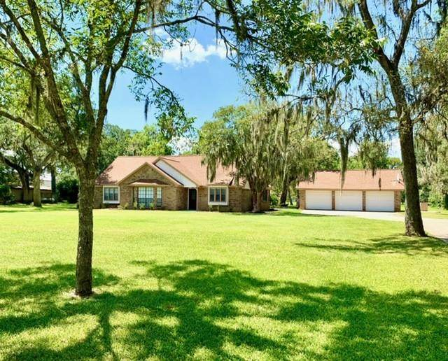 211 Bayou Road, Lake Jackson, TX 77566 (MLS #5138028) :: Ellison Real Estate Team