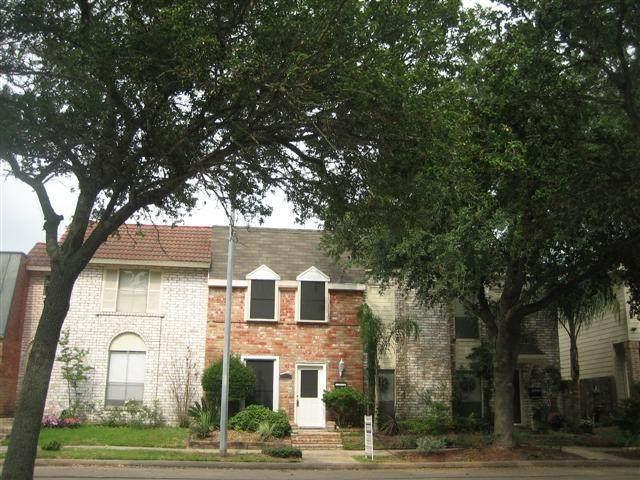 2036 Lakeside Drive, Seabrook, TX 77586 (MLS #51582431) :: Rachel Lee Realtor