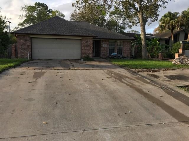 2011 Deats Road, Dickinson, TX 77539 (MLS #51688771) :: Texas Home Shop Realty