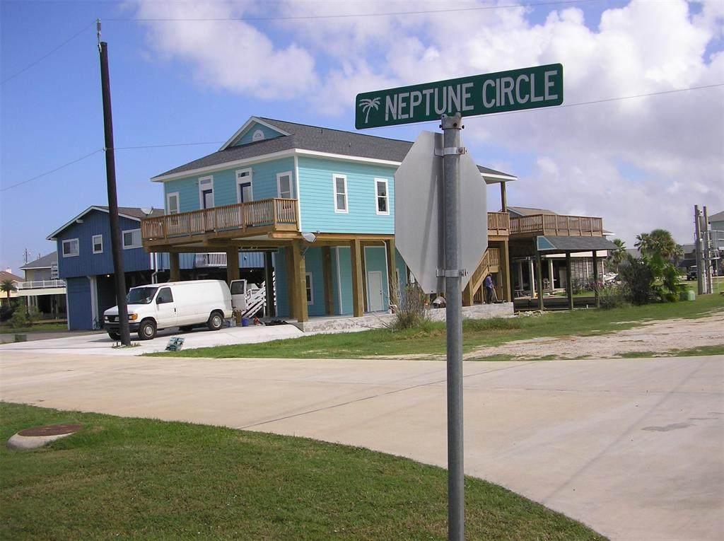 310 Neptune Circle - Photo 1