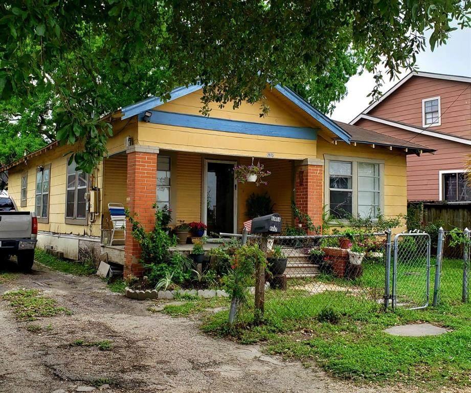 3915 Coyle Street - Photo 1