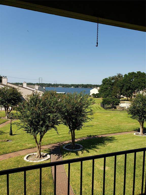 203 D Lakeview Terrace, Conroe, TX 77356 (MLS #51806380) :: Texas Home Shop Realty