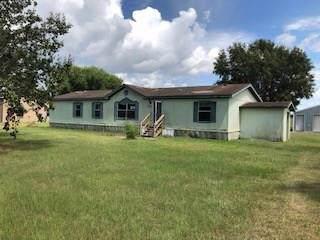 7415 Meadowgreen Lane, Needville, TX 77461 (MLS #52008566) :: The Heyl Group at Keller Williams