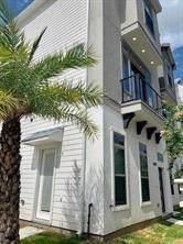 5849 E Post Oak Lane, Houston, TX 77055 (MLS #52341877) :: Texas Home Shop Realty