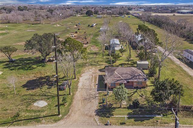 1403 Wright Street, El Campo, TX 77437 (MLS #52469273) :: Lisa Marie Group | RE/MAX Grand