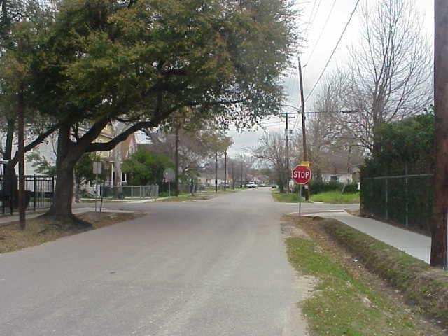 1003 Brooks Street - Photo 1