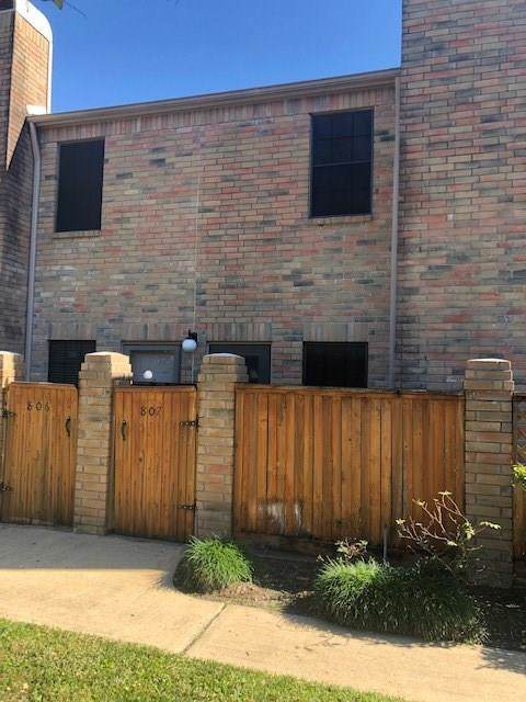 9850 Pagewood Lane #807, Houston, TX 77042 (MLS #53459219) :: NewHomePrograms.com LLC