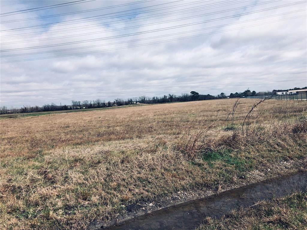 0 Fm 1942 Road - Photo 1
