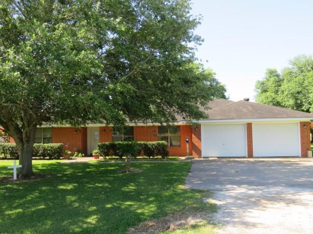 330 Jane Street, Wharton, TX 77488 (MLS #53526904) :: The SOLD by George Team