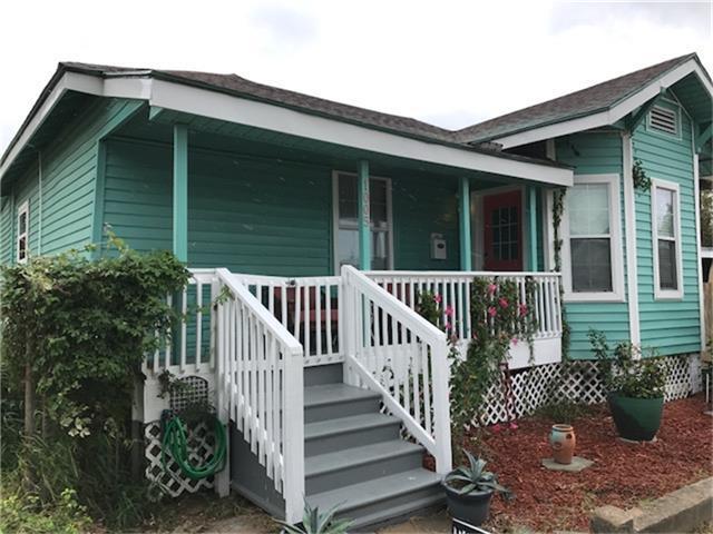 1005 Avenue L, Galveston, TX 77550 (MLS #54045252) :: Carrington Real Estate Services