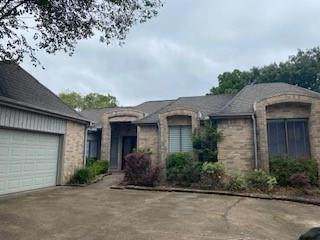 12318 Piping Rock Drive, Houston, TX 77077 (MLS #54543937) :: The Freund Group