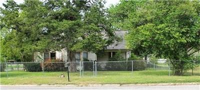 806 E Main Street, Bellville, TX 77418 (MLS #54769494) :: Fairwater Westmont Real Estate