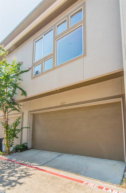 237 N Lenox Street, Houston, TX 77011 (MLS #55461067) :: Texas Home Shop Realty