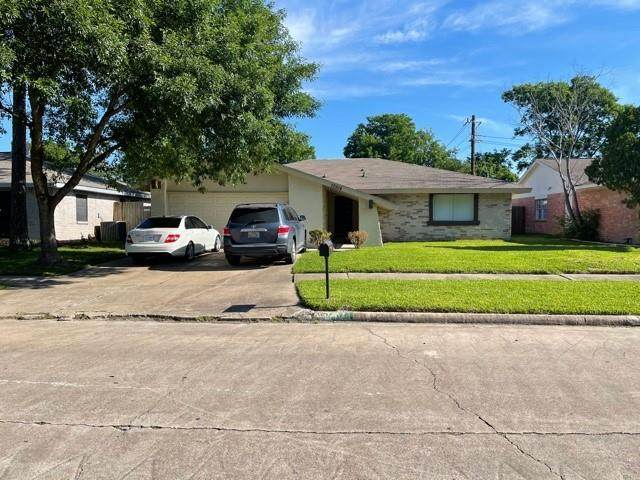 10514 Towneview Drive, Sugar Land, TX 77498 (MLS #55850433) :: The Heyl Group at Keller Williams