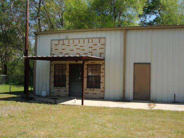 2499 Woolridge, Conroe, TX 77301 (MLS #56051402) :: Caskey Realty
