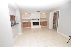 2800 E Jeanetta Street #107, Houston, TX 77063 (MLS #56118359) :: Giorgi Real Estate Group