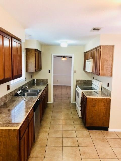 2415 Shady Brook Drive, Houston, TX 77084 (MLS #56149451) :: Texas Home Shop Realty