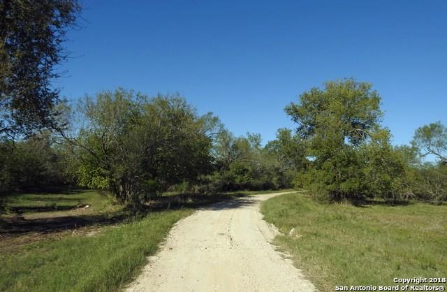1396 County Road 646, Hondo, TX 78861 (MLS #56214737) :: Grayson-Patton Team