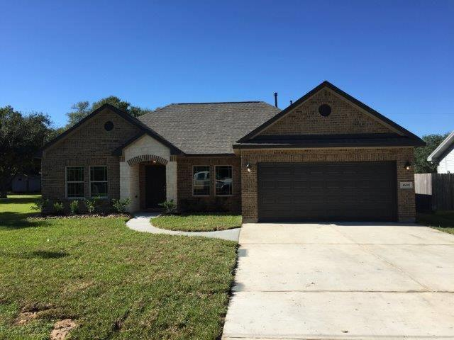 251 Forest Park Drives, West Columbia, TX 77486 (MLS #56831619) :: Texas Home Shop Realty