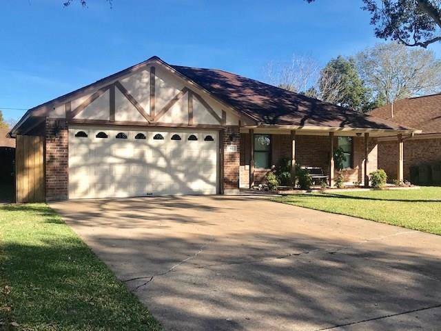 61 Alexander Court, Angleton, TX 77515 (MLS #57068313) :: Texas Home Shop Realty