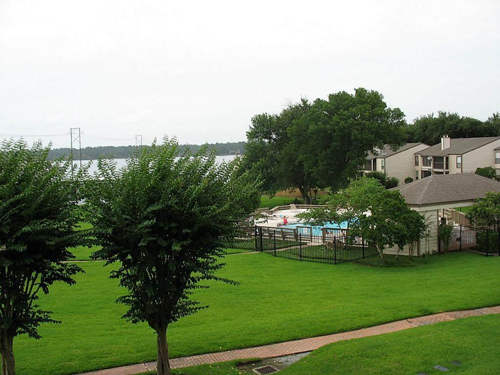 205-D Lakeview Terrace - Photo 1