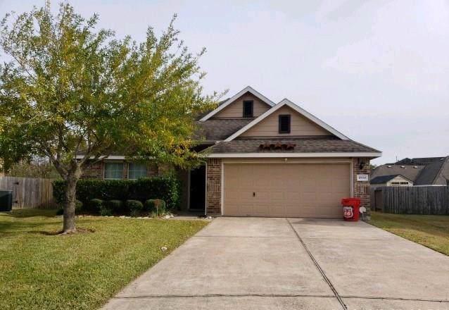 10530 Devinwood Drive, Baytown, TX 77523 (MLS #57157156) :: The Parodi Team at Realty Associates