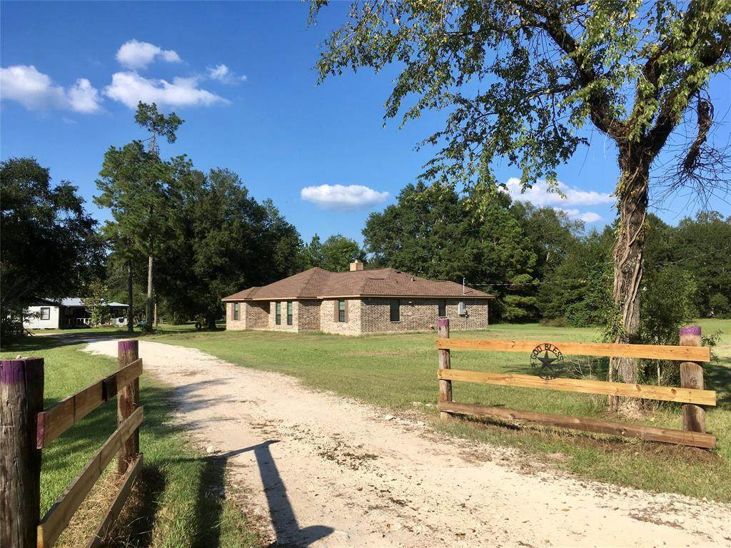 1860 County Road 347 - Photo 1