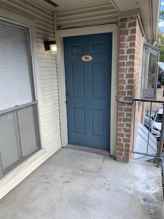 3900 Woodchase Drive #96, Houston, TX 77042 (MLS #58866554) :: Ellison Real Estate Team