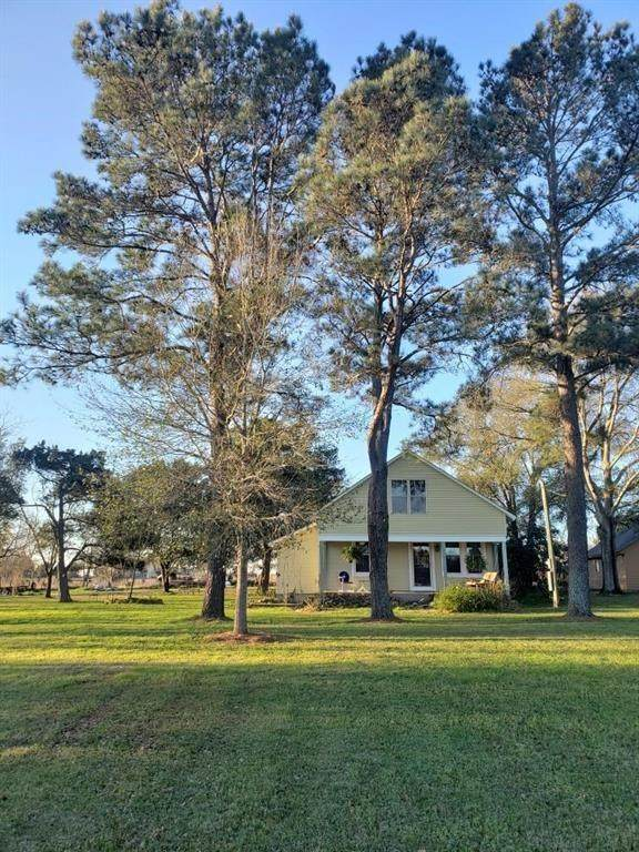 561 Trenckmann Rd, Sealy, TX 77474 (MLS #58884013) :: Phyllis Foster Real Estate