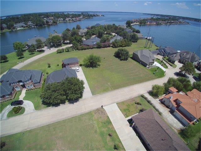 24 Waterford Way, Montgomery, TX 77356 (MLS #59916543) :: Fairwater Westmont Real Estate