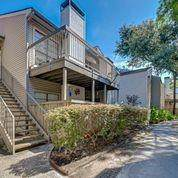 9707 Richmond Avenue #8, Houston, TX 77042 (MLS #60063623) :: The SOLD by George Team