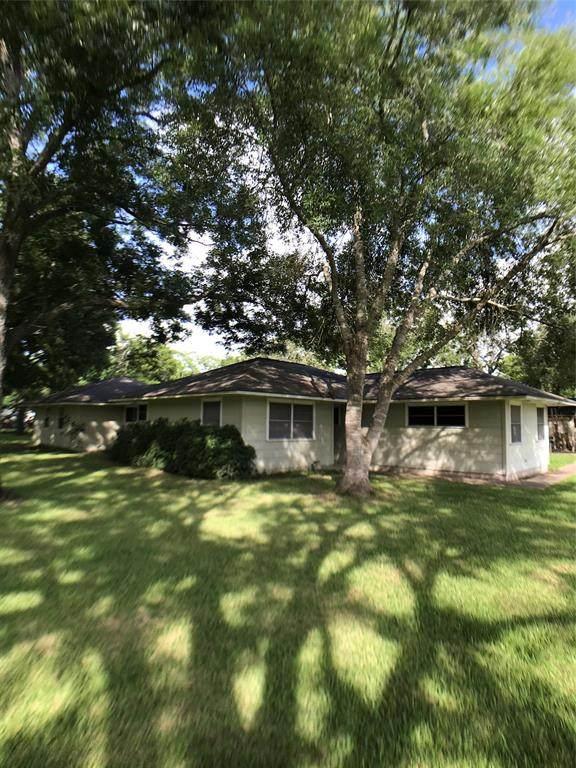 1201 S Third, Ganado, TX 77962 (MLS #60147255) :: Phyllis Foster Real Estate